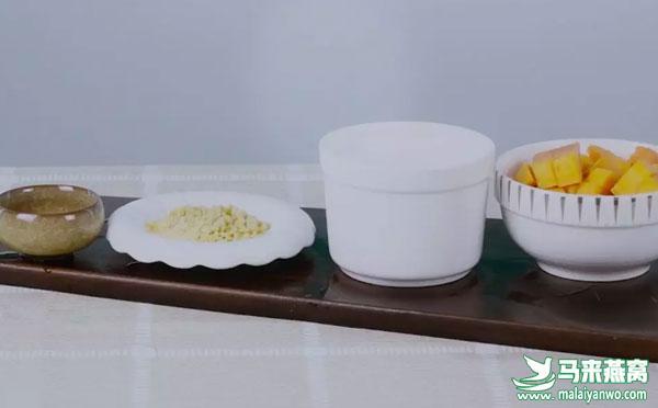 燕窝食谱:木瓜银耳燕窝糖水