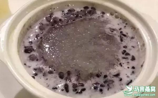 黑糯米炖燕窝